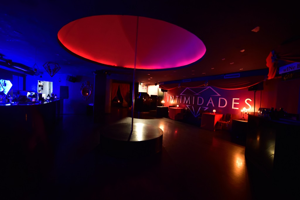 Initimidades swing club - Dance floor, where everything starts to heat up