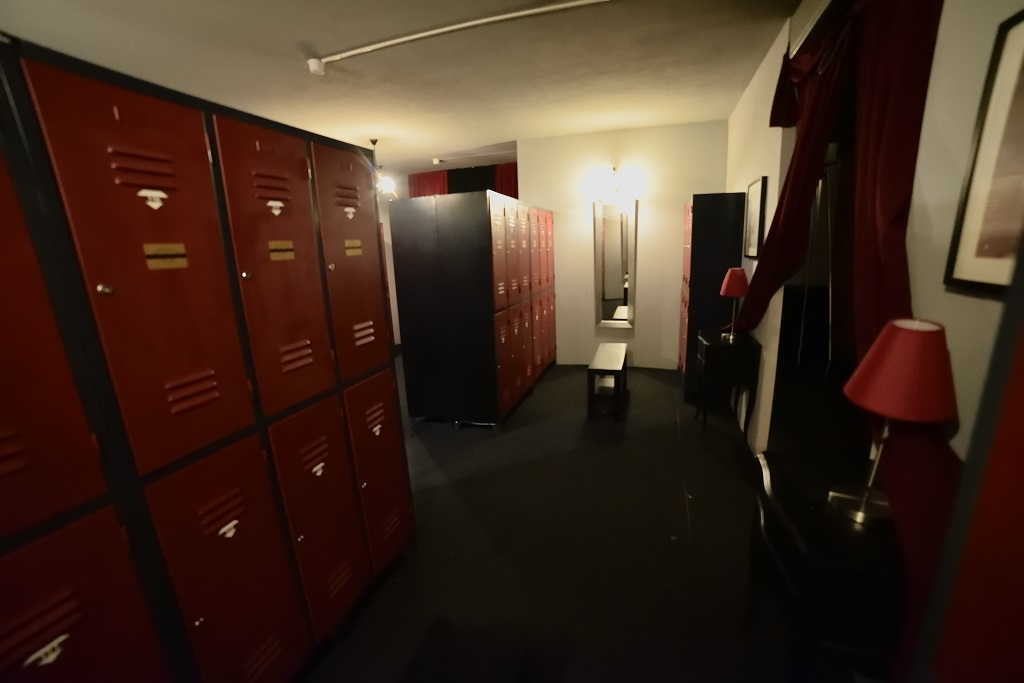 Initimidades swing club - Keep your belongings in the individual lockers free of charge